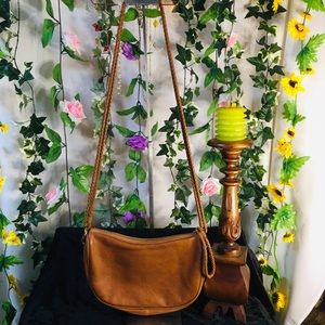 Seed Heritage sm-med sized crossbody bag 💚